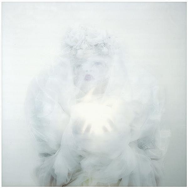 Kimiko Yoshida (née en 1963) La Mariée baroque (Autoportrait), 2001 Cibachrome-print sous diasec Signé, titré, daté et numéroté 3/10...