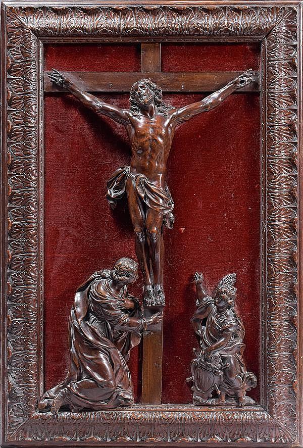 IMPORTANT CHRIST ATTRIBUÉ À CÉSAR BAGARD (1620-1709) en poirier ou buis sculpté, présenté dans un cadre à moulures inversées orné d'...