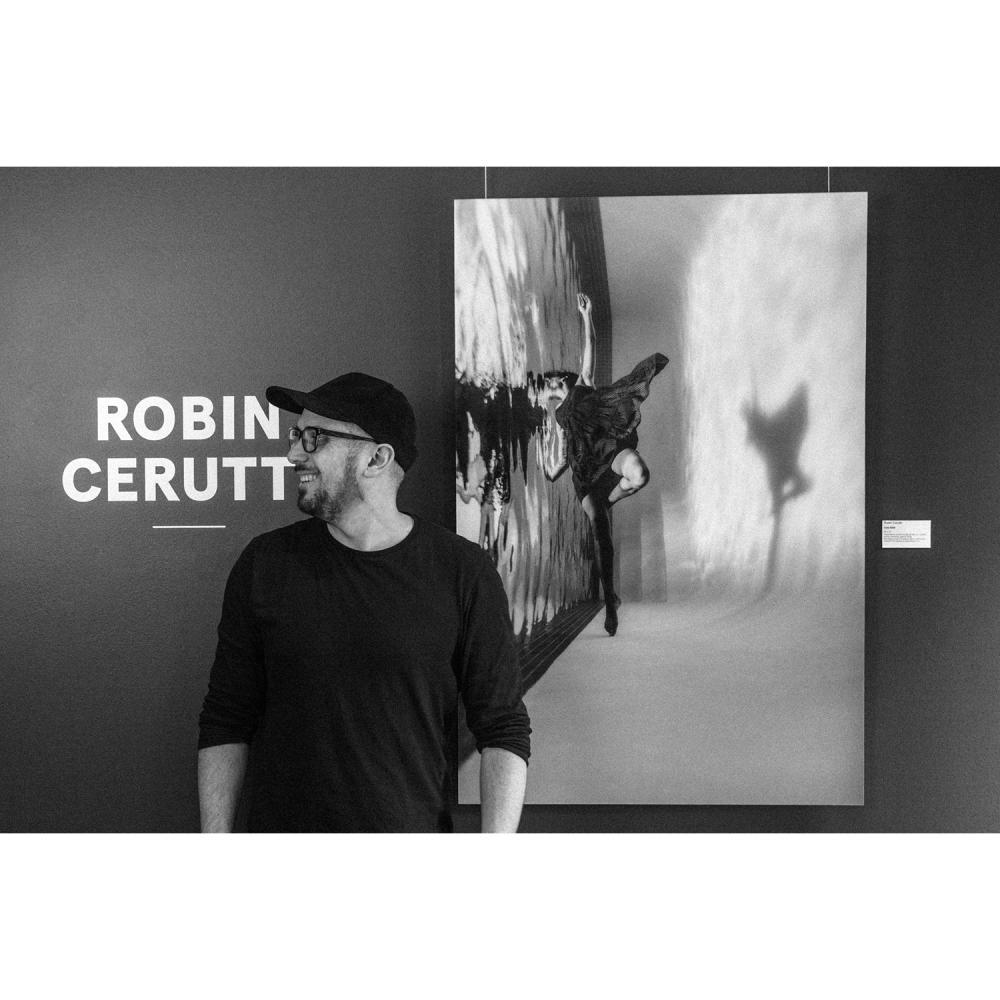 """Robin Cerutti """"Celia"""" - 8258 , série Mirror edition 30x45in (76x114 cm) tirage 2/6 Imprimée sur papier d'archive premium co..."""