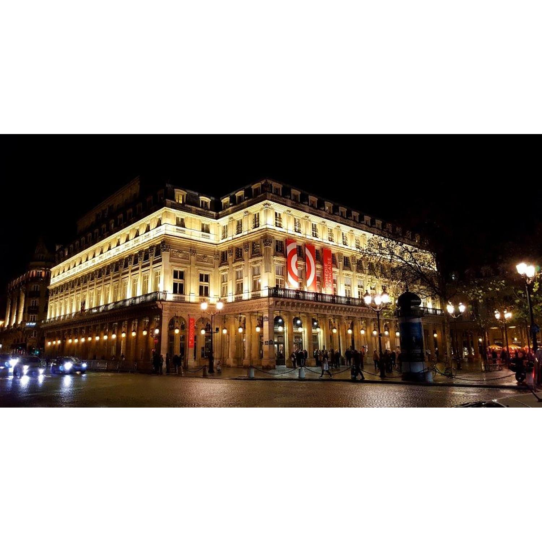 Comédie Française Quatre places en 1ère catégorie, dès la réouverture du théâtre et une visite privée.