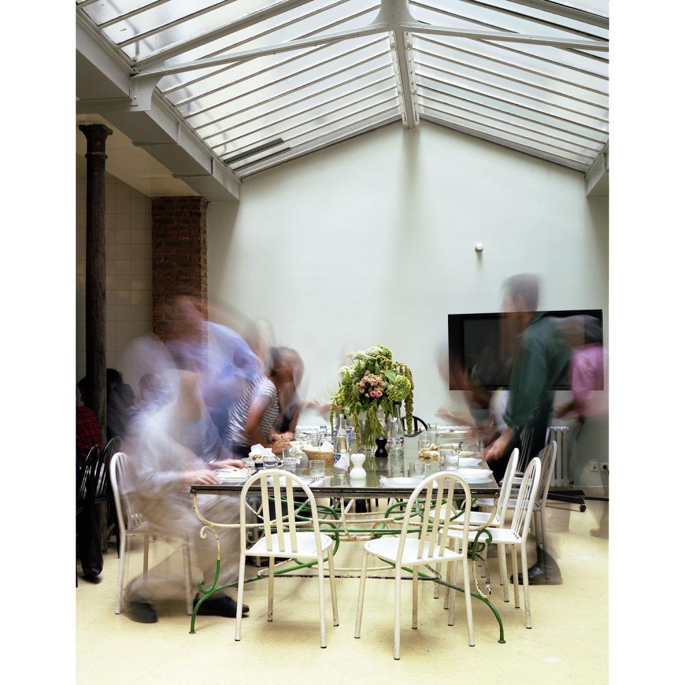 """Fondation Azzedine Alaïa Une visite privée de l'exposition de réouverture """" Azzedine Alaïa, Peter Lindbergh """", conversation en miroi..."""