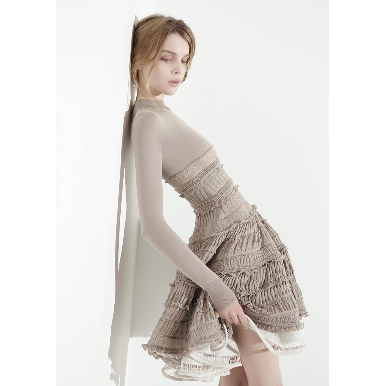 Fondation Azzedine Alaïa Robe en laine fine crinoline, taille 38, de la collection Hiver 2007