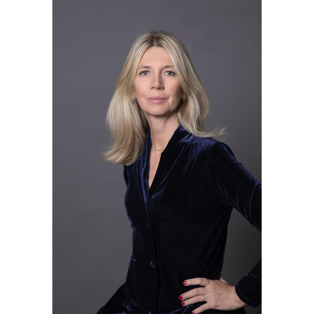 Elisabeth de Feydeau & le Musée du parfum Fragonard Master class au musée du parfum Fragonard, précédée d'une visite du musée, aut...