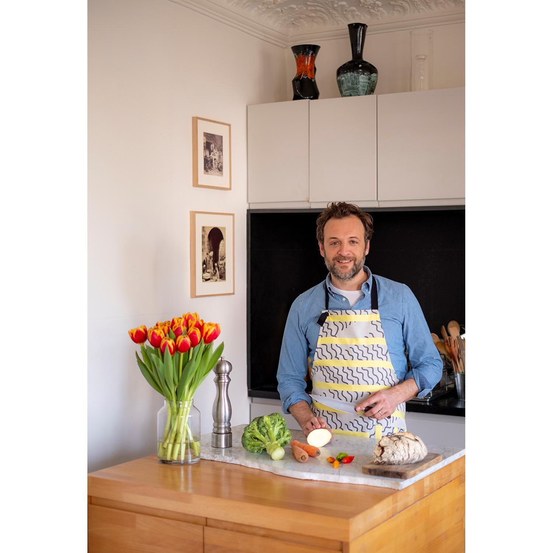 """François Regis Gaudry Un cours de cuisine particulier à son domicile, accompagné de ses deux derniers livres dédicacés (""""On va dé..."""