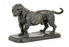 A patinated bronze standing basset hound by Antoine Louis Barye, signed. Posthumous Cast. HAUT. 15 cm - LONG. TERRASSE 23,5 cm - PROF.