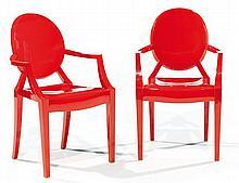 Philippe STARCK (né en 1949) & KARTELL (Éditeur) Paire de fauteuils