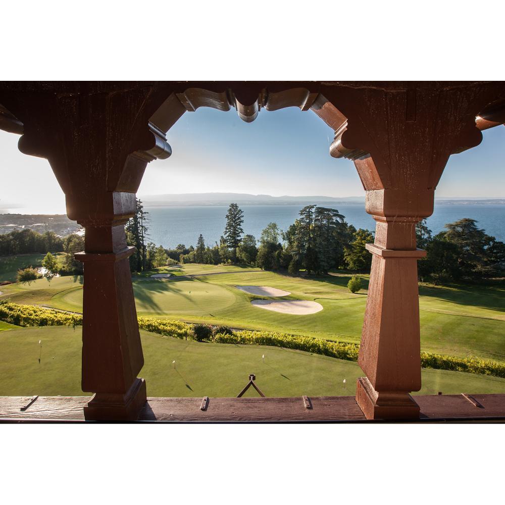 Un séjour de deux nuits au Manoir du golf de l'Evian Golf Resort, en chambre vue Lac pour deux personnes avec petits-déjeuners