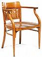 OTTO WAGNER (1841-1918) Fauteuil en bois courbé thermoformé, piétement avant animé, à la partie supérieure, d'un mouvement souple so...