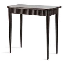 JULES LELEU (ATTRIBUÉ À) Petite table de salon, piétement fuselé et cannelé teinté noir, ainsi que la ceinture cannelée, plateau rec...