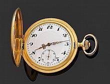 """ANONYME VERS 1900 Montre de poche savonnette en or jaune. Cadran émail blanc avec index """"Breguet"""", graduation minutes et cadran auxi..."""