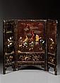 ÉCRAN À TROIS PANNEAUX en bois laqué et incrustations de serpentine, nacre et ivoire, à décor, disposé sur deux registres, de chasse...