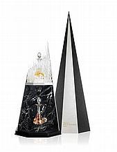 Francis Kurkdjian Clair Obscur, 2014 Ecrin : flacons de cristal Saint-Louis et coffret signé Studio Marianne Guély Les dimensions : ...