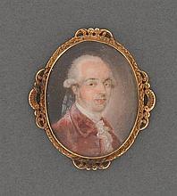 """Miniature """"homme de qualité"""" Elle représente un homme en perruque et habit rouge à jabot. Cadre en or jaune à décor rocaille (ancien..."""