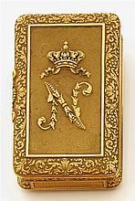 Martial Bernard Tabatière de forme rectangulaire en or jaune. Le couvercle est orné d'un N surmonté de la couronne impériale sur un ...
