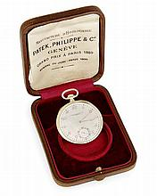 PATEK PHILIPPE PRODUITE EN 1921 ET VENDUE LE 9 SEPTEMBRE 1922 A gold and mother of pearl pocket watch by Patek Philippe.