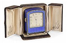 HENRI BLANC GENEVE PENDULETTE DE VOYAGE A REPETITION MINUTES DEBUT XXème SIECLE Pendulette en argent (935) émaillée bleue translucid...