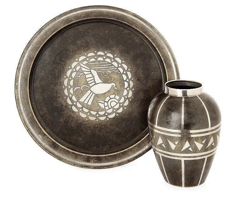 Maison christofle vase de forme ovo de col droit et son pl for Forme de maison