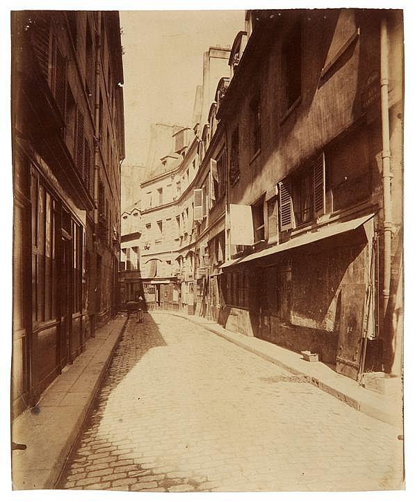 Eugène Atget (1857-1927) Rue Cardinale, 1902 Épreuve albuminée, négatif verre, non montée, annotée « Rue cardinale » et numérotée 46...