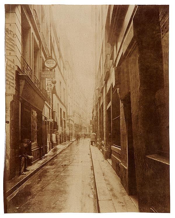 Eugène Atget (1857-1927) Rue Quincampoix, juin 1900 Épreuve albuminée, négatif verre, non montée, légendée et datée
