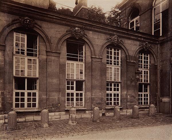 Eugène Atget (1857-1927) Ambassade d'Autriche, 57, rue de Varenne, (actuel Hôtel Matignon), vers 1905 Épreuve albuminée, négatif ver...