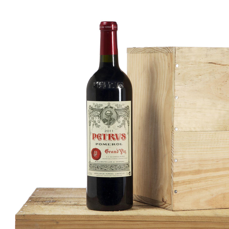 1 bouteille PETRUS, Pomerol 2011 CB