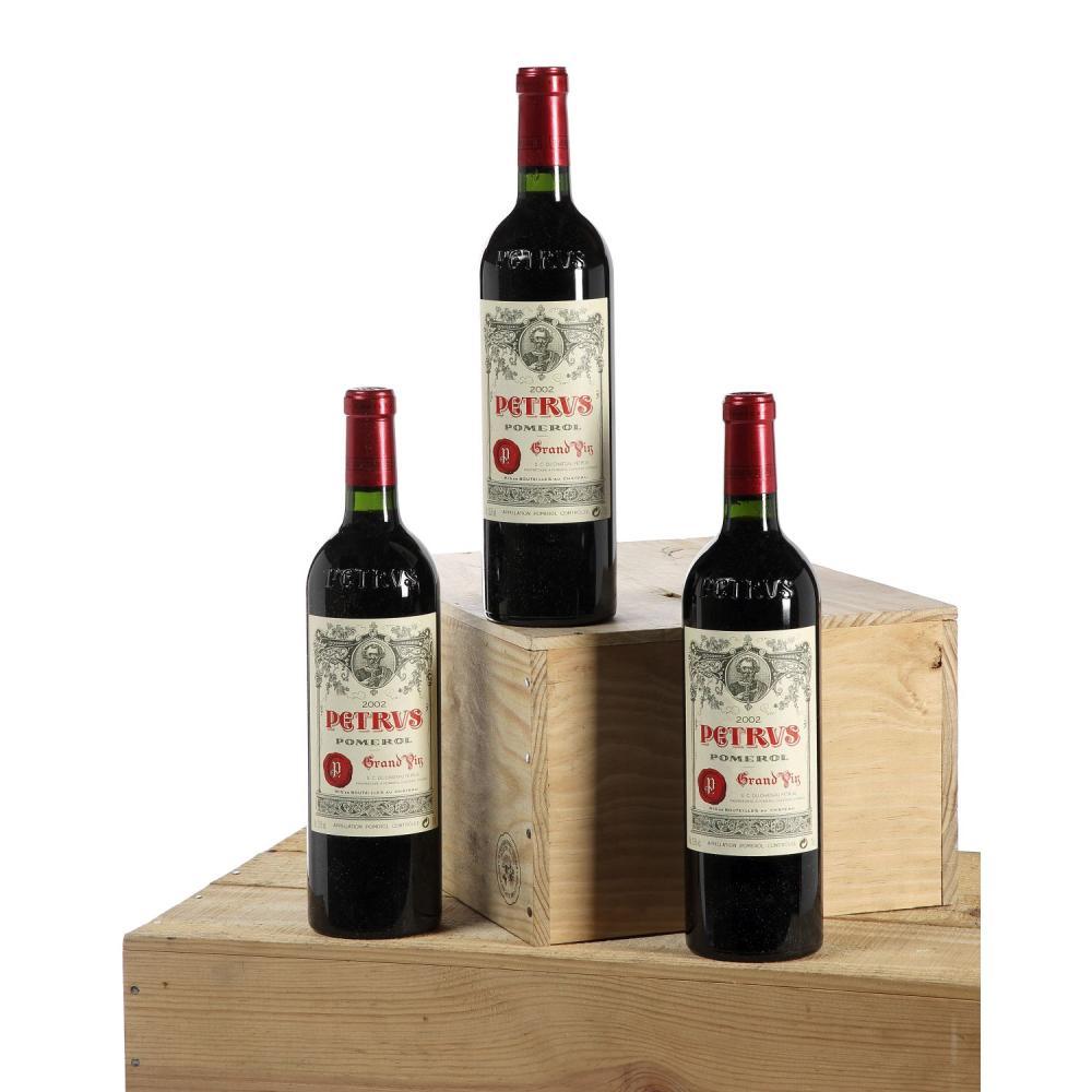 3 bouteilles PETRUS, Pomerol 2002 CB