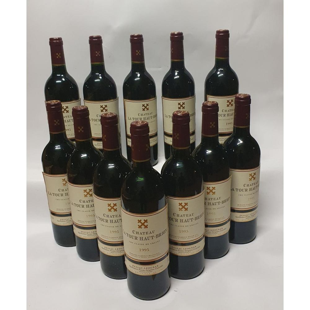 12 bouteilles LA TOUR HAUT-BRION, Pessac-Léognan 1995 CB