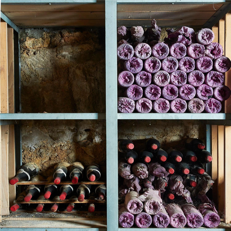 10 bouteilles Château ANGELUS, 1° Grand Cru Saint-Emilion 1993 ELA poussiereuses