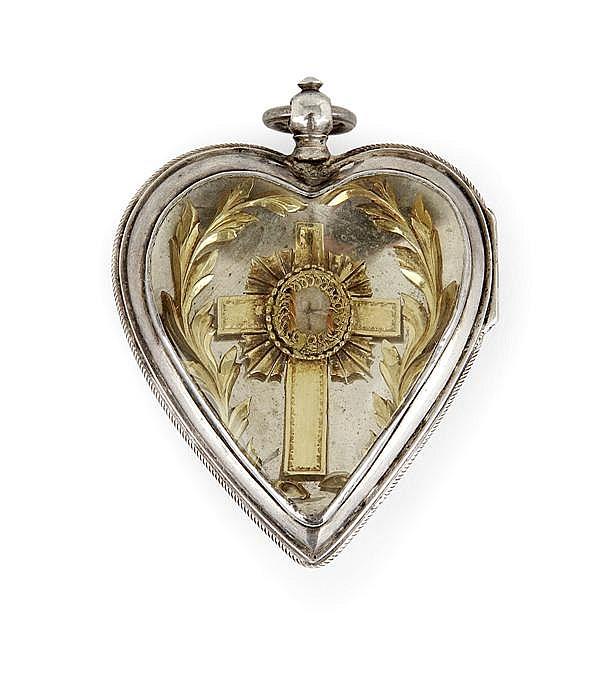 Reliquaire en forme de cœur en argent avec au centre, une croix, deux branches de laurier en or