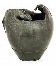 Duilio Cambellotti (1876-1960) A green patina bronze vase shaping a horse facing a crow, circa 1903-1906. height. 5 1/2 IN. - DIAM. 5 1
