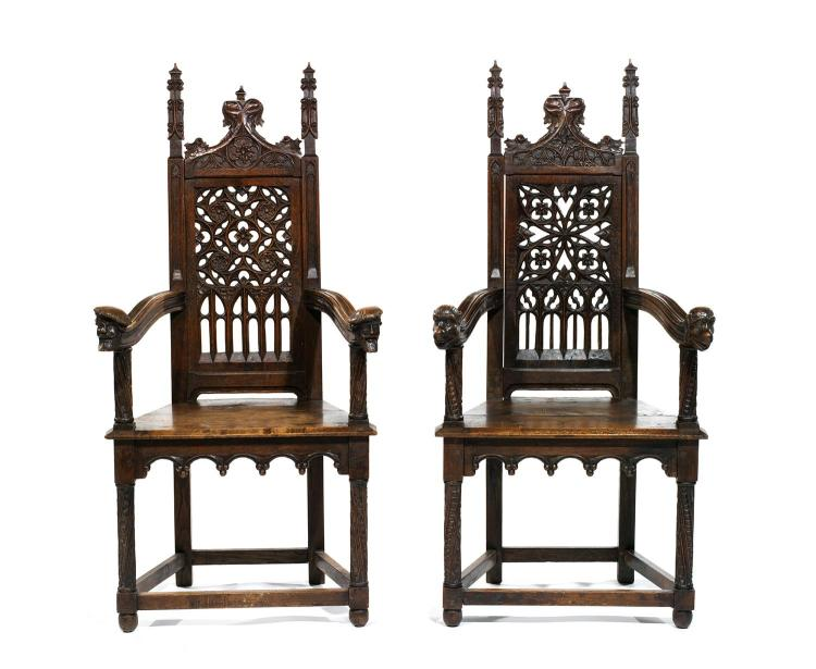 paire de fauteuils en cath drale en bois moulur et sculpt. Black Bedroom Furniture Sets. Home Design Ideas