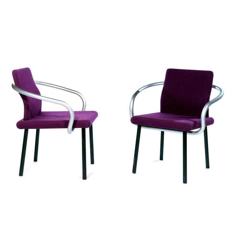 sottsass associati knoll diteur paire de fauteuils man. Black Bedroom Furniture Sets. Home Design Ideas