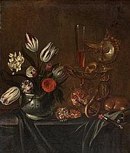 École FLAMANDE du début du XVIIIème siècle Vase de fleurs et nature morte aux biscuits et au verre de vin sur un entablement Toile 8...