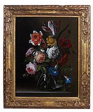 École FRANÇAISE vers 1720, entourage d'Antoine MONNOYER Bouquet de fleurs dans un vase en verre Toile 41 x 33 cm Dans un cadre vénit...