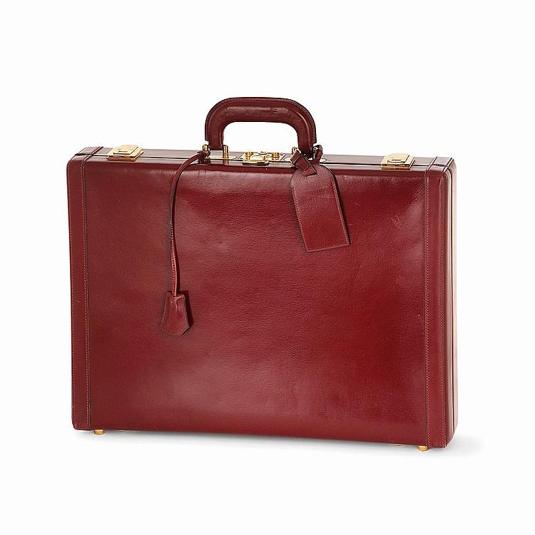HERMÈS Attache-case Hermès en cuir box rouge H