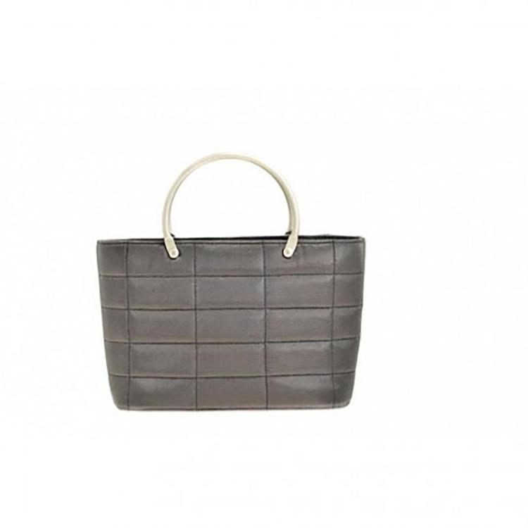 CHANEL Mini sac cabas Chanel en lurex gris argenté