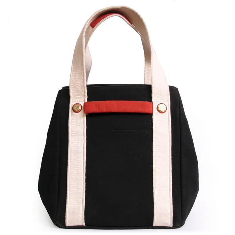 CHANEL Sac Chanel en toile noire, blanche et rouge