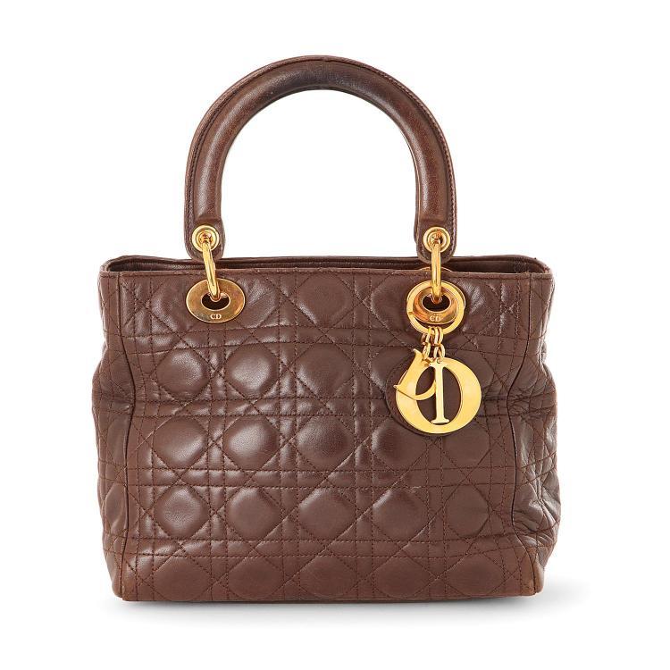 DIOR Sac à main Dior Lady Dior moyen modèle en cuir cannage marron foncé