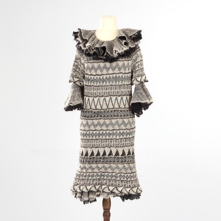 CHANEL Robe Chanel en laine à motifs géométriques noir et gris