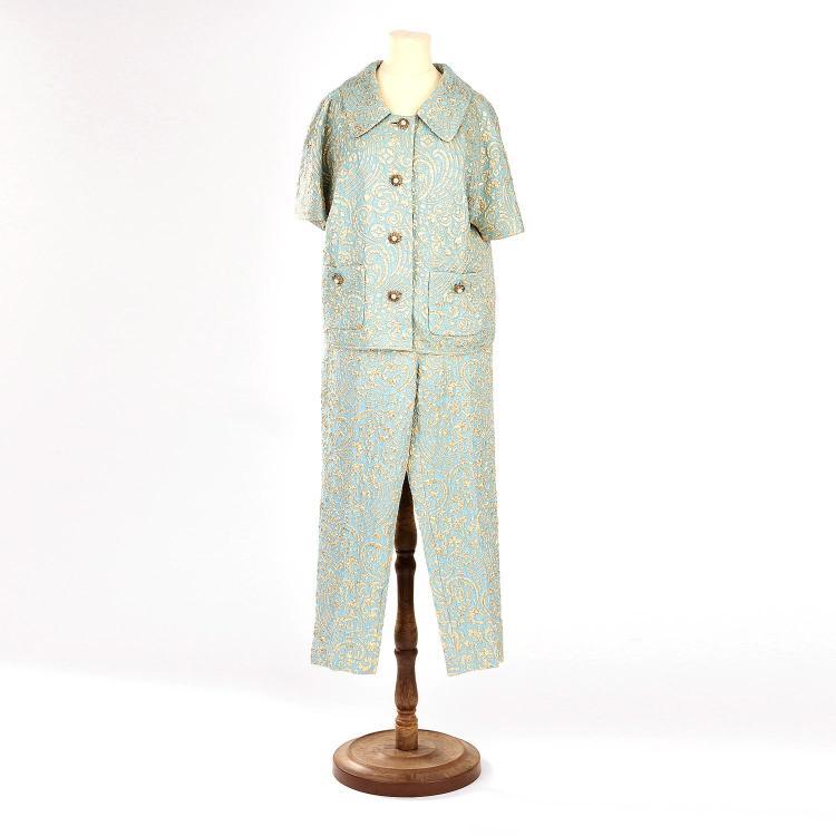 DOLCE & GABBANA Ensemble tailleur: veste & pantalon Dolce & Gabbana en soie bleu à motif damassé doré