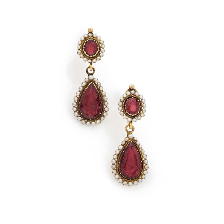 A XIXth century garnet, natural pearl and gold set.