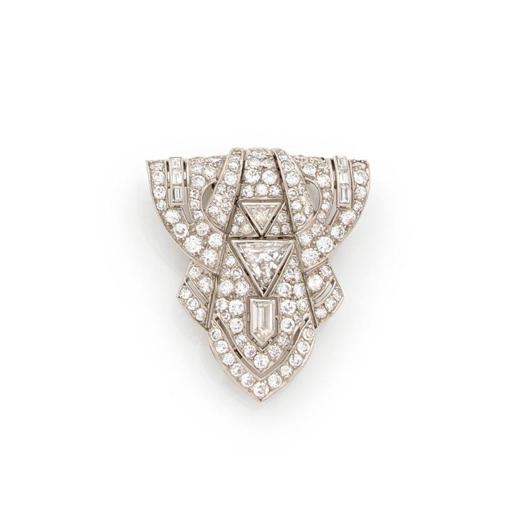 An Art Deco diamond and platinum clip.