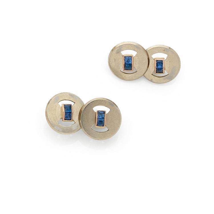 RENE BOIVIN ANNEES 1925 A sapphire and gold pair of cufflinks by Rene BOIVIN, circa 1925.