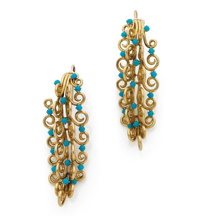 VERGER FRERES ANNEES 1940 A turquoise and gold pair of ear pendants by VERGER Frères, circa 1940.