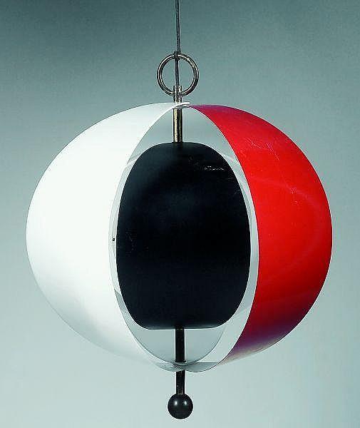 Jean Boris Lacroix (1902-1984) Suspension sphérique composée de six lames pivotantes, quatre en altuglas, une en métal laqué rouge...