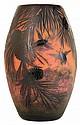 MULLER FRÈRES Vase ovoïde en verre multicouche brun sur fond orangé jaspé, à décor gravé à l'acide de cigales en vol dans des rameau...
