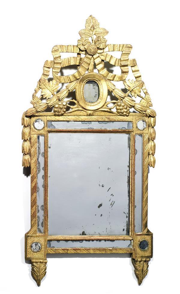Petit miroir parcloses en bois dor fronton orn de ruban for Theatre du petit miroir
