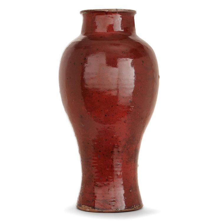 VASSIL IVANOFF (1897-1973) Grand vase balustre en grès, émail sang de bœuf, pyrites noires. Signature incisée