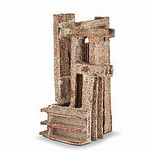 VASSIL IVANOFF (1897-1973) Sculpture architecture en grès, éléments formés de plaques assemblées en U, fort effet granité au sable...