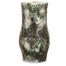 JACQUES BLIN (1920-1995) Vase balustre en faïence, décor incisé d'une frise d'animaux, émaux verts essuyés, patine noire. Signatur...
